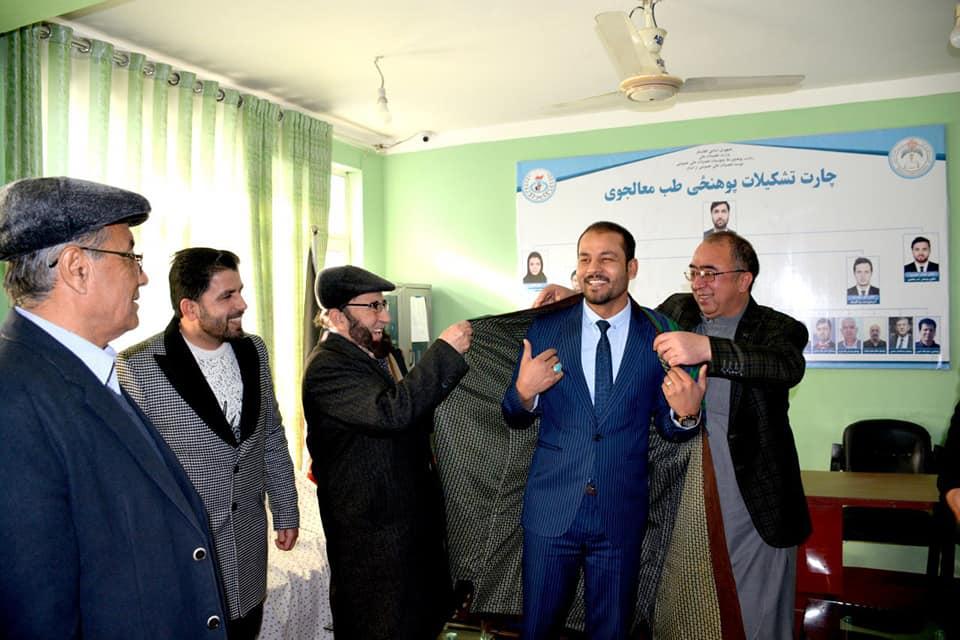 داکتر احسان الله کلیوال رئیس پوهنحی طب معالجوی مؤسسه ترکستان تعیین گردیدند